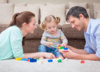 Giocare con i propri figli fa bene alla loro autostima