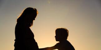Quando la gravidanza si interrompe, come comportarsi con il fratellino?