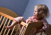 Crisi isteriche durante la notte? Ecco come comportarsi nei confronti del bambino