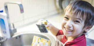 tavola delle faccende domestiche del bambino