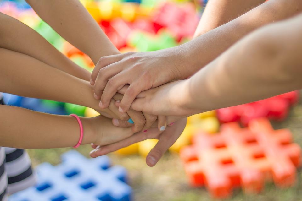 Divertiamoci con l'empatia: basterebbe un'ora al giorno a scuola per  rendere il mondo migliore!