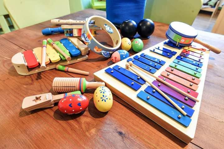 Musica salva tutti: perché i laboratori musicali aiutano i bambini a crescere meglio?