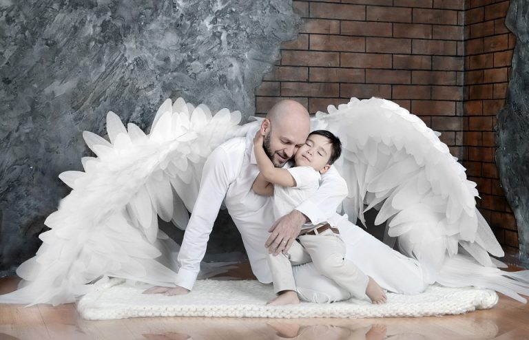 Festa del papà: le più belle poesie e un abbraccio speciale